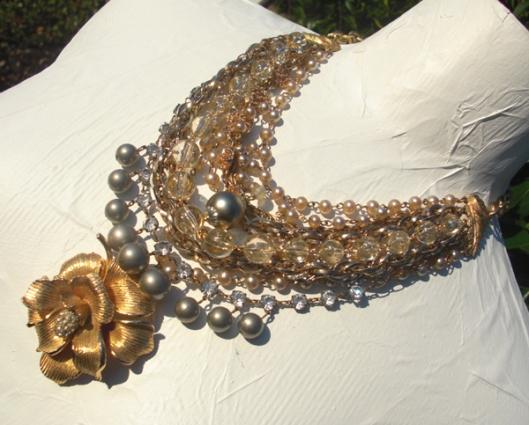 chezreneeshop cascading rose necklace