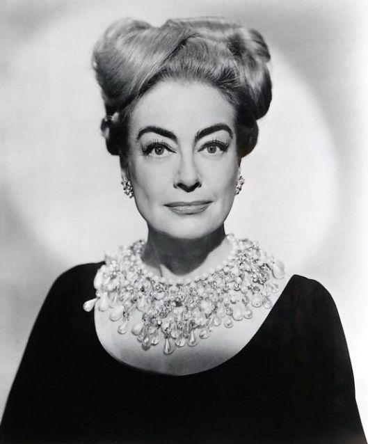 joan crawford pearl collar necklace I saw what you did 1