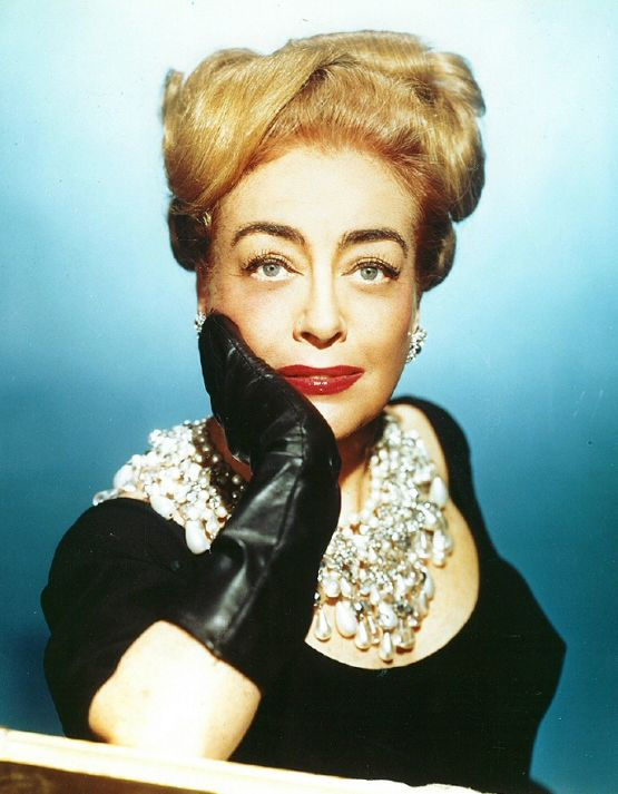 joan crawford pearl collar necklace I saw what you did