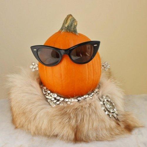 hollywood rhintestones pumpkin