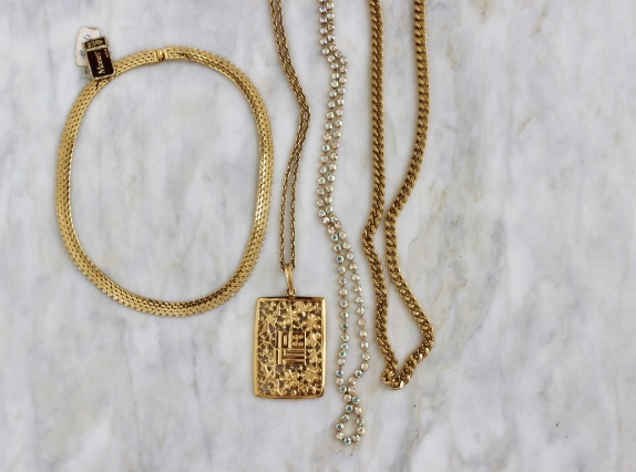 Jewelry Styling: The art of mixing and layering necklaces!