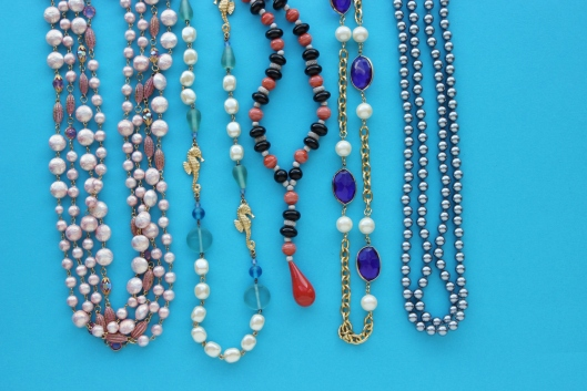 colored stone or bead necklace