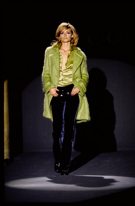 02-GUCCI-FALL-1995-RTW-01-AMBER-VALLETTA