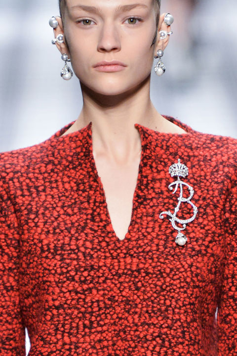 hbz-fw2015-jewelery-trends-girl-with-the-pearl-balenciaga-clpi-rf15-0129